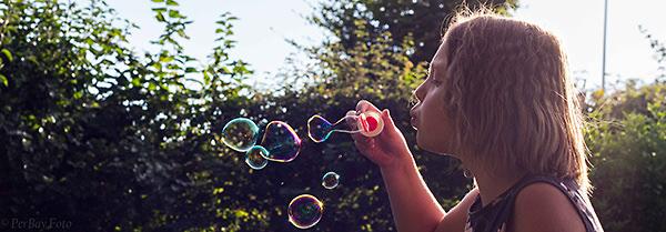bubbles-35a3a83f7209f293a9f12da1c12939ab4eb9ba77